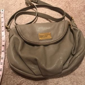 Marc Jacobs taupe shoulder bag purse